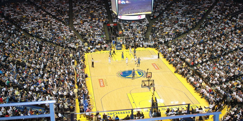 Didžiulė krepšinio aikštė - lažybos bei statymai krepšinis