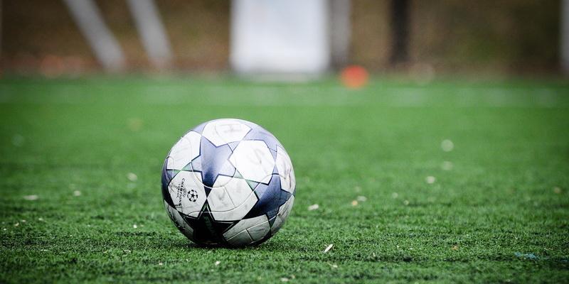 Kamuolys - sporto statymai už futbolą