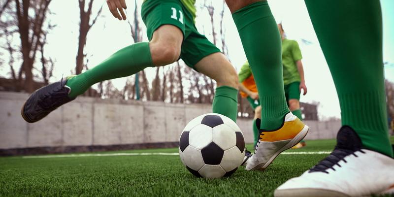 Žaidžiamas futbolas ir futbolo rezultatai gyvai skelbiami internete